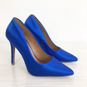 Qupid Royal Blue satin pump size 7